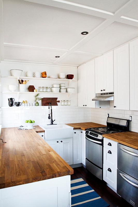 cabin-kitchen-93sm1