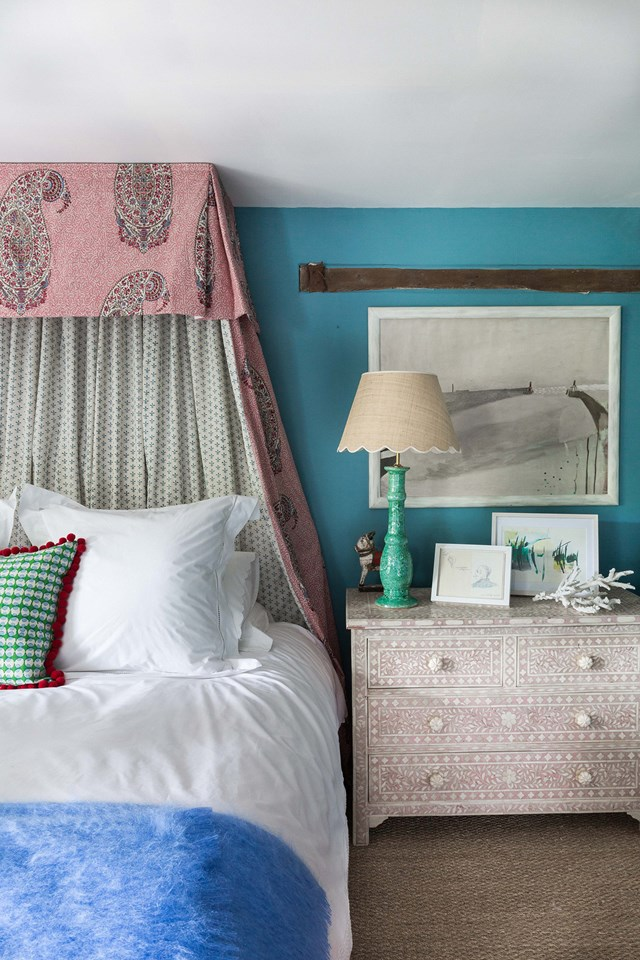 PUT YOUR MAGIC TO THE TEST : 15 THINGS EVERY GUEST ROOM NEEDS